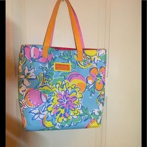 🐠Lilly Pulitzer blue floral tote for Estée Lauder